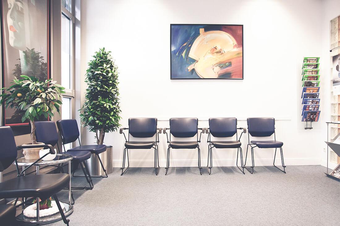 Orthopädie Wannsee - Harbrecht - Wartezimmer unserer Praxis
